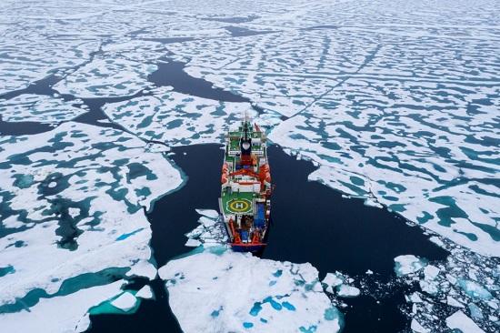 Arctic Sea Ice MOSAiC Expedition Icebreaker Aug 2020