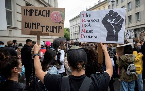 Demonstration at US Embassy in Vienna, Austria