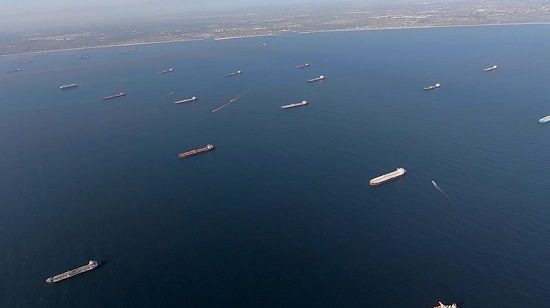 Oil tankers california Oil tankers carrying more than 20 million barrels of oil float off the coast of California.